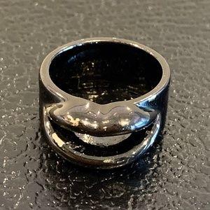 Black Lip Ring - Size 7.25